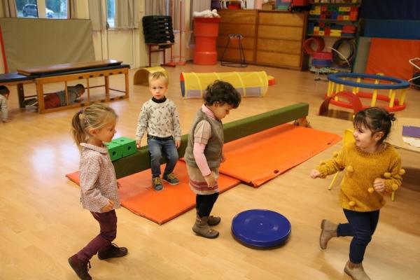 Les visites des écoles se concluent par les Hurez Saint-Nicolas et Marie Curie !