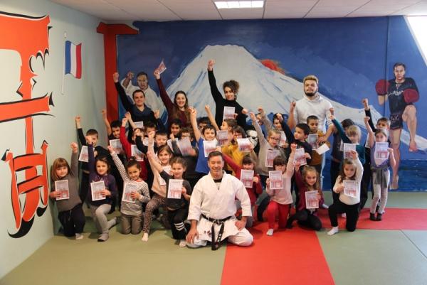 De nouveaux petits karatekas à l'ACM Marie Curie !