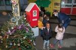 Les enfants ont reçu leurs friandises de Noël !