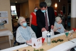 Le Père Noël est aussi passé dans les EHPAD pour ses cadeaux de fin d'année !